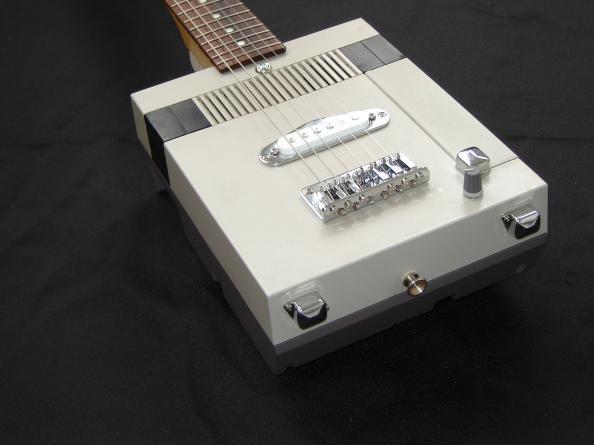 Guitarra NES 3