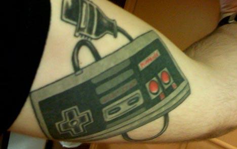 11 tatuaje control nintendo