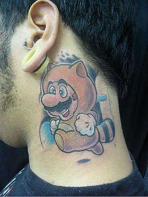 6 tatuaje super mario cuello