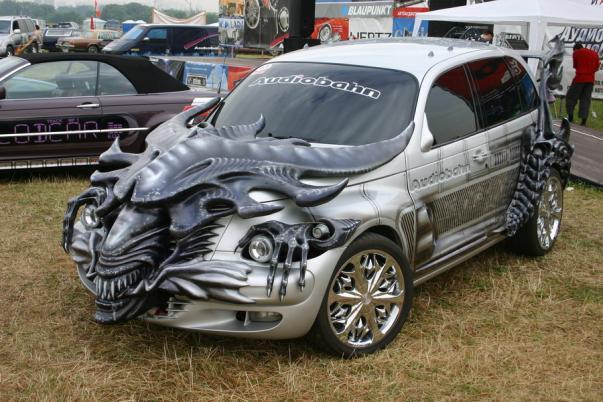Auto Alien de H.R. Giger