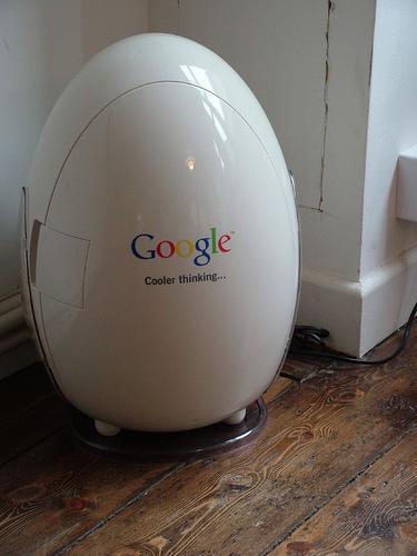 http://es.walyou.com/wp-content/uploads/2011/03/Heladera-de-Google.jpg