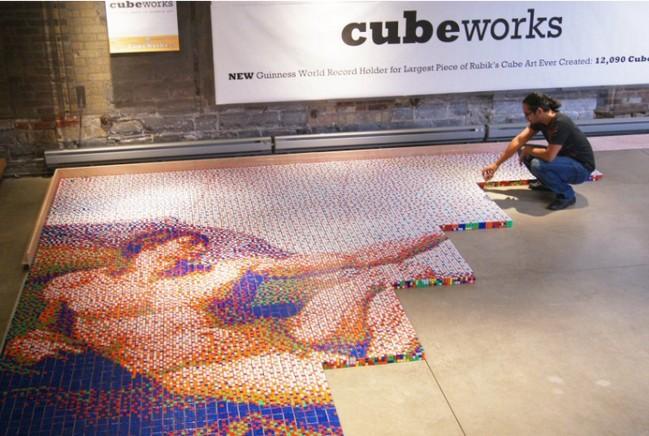 Mosaico de Cubos de Rubik de 'La Mano de Dios'
