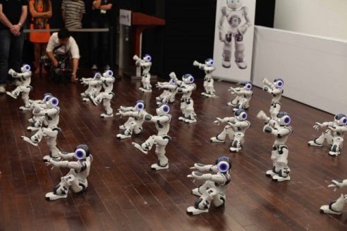 Robots que cantan y bailan 2